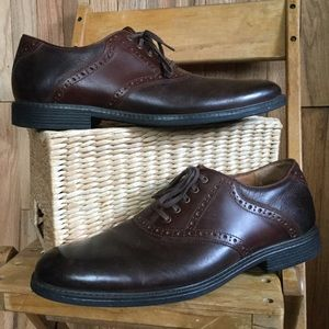 Johnston & Murphy brown leather oxford